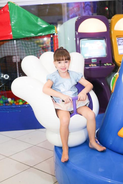 Nicole - 5 anos