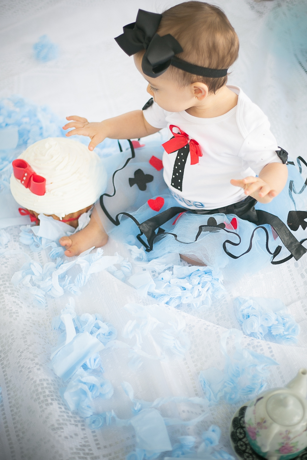 Alice {Smash the Cake}